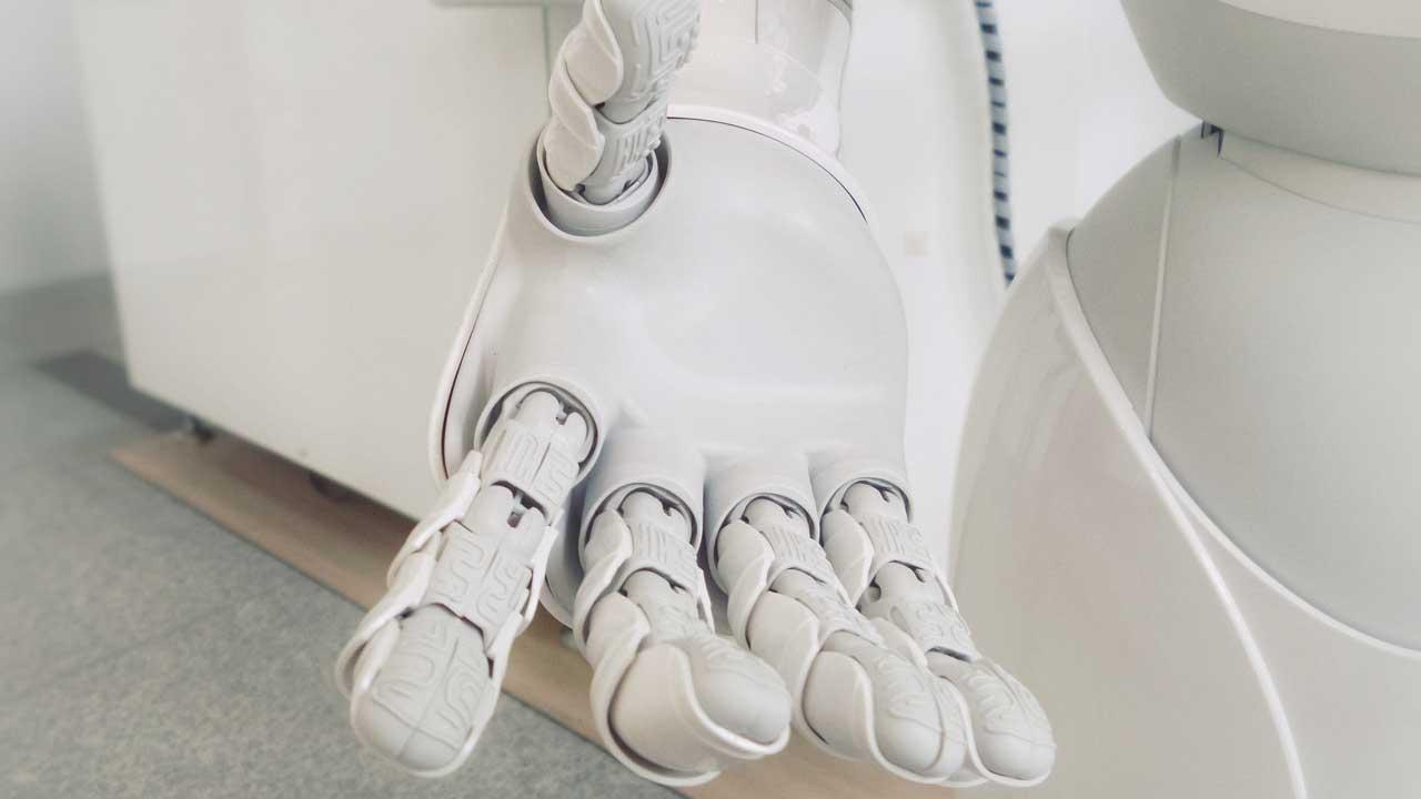 En framsträckt robothand